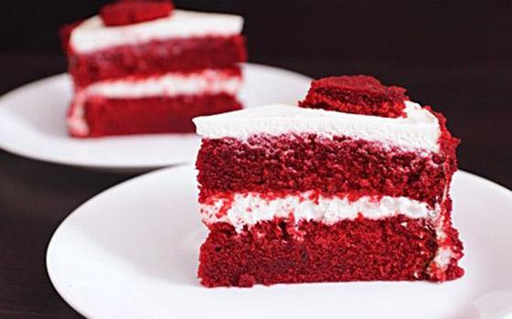 كعكة عيد الحب المخملية الحمراء بطريقة سهلة وسريعة التحضير صورة رقم 4