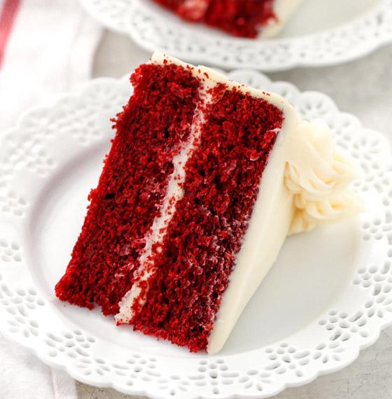 كعكة عيد الحب المخملية الحمراء بطريقة سهلة وسريعة التحضير صورة رقم 5