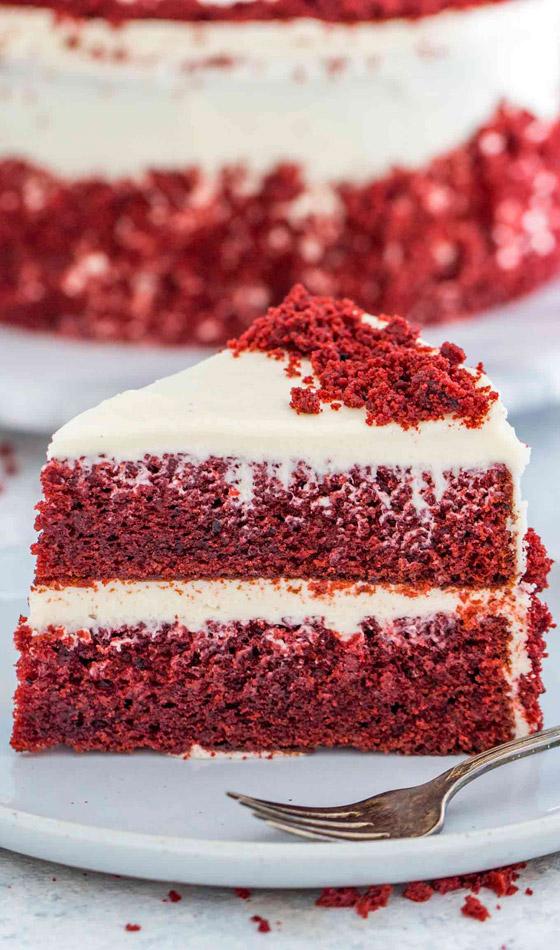 كعكة عيد الحب المخملية الحمراء بطريقة سهلة وسريعة التحضير صورة رقم 10