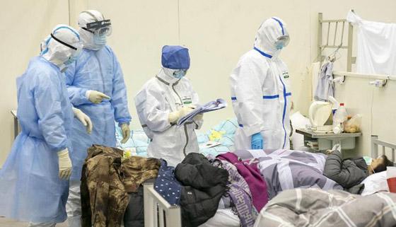 خطره يزداد.. ترجيح إصابة المئات بالطواقم الطبية الصينية بفيروس كورونا! صورة رقم 9