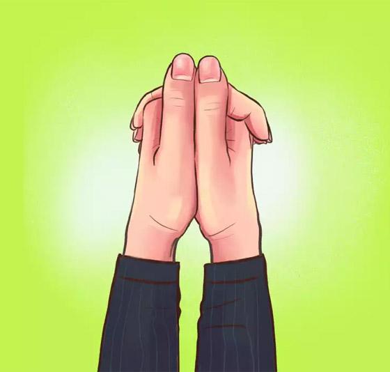 صورة رقم 2 - كيف تكشف طريقة تشبيك الأصابع عن طبيعة الشخصية؟