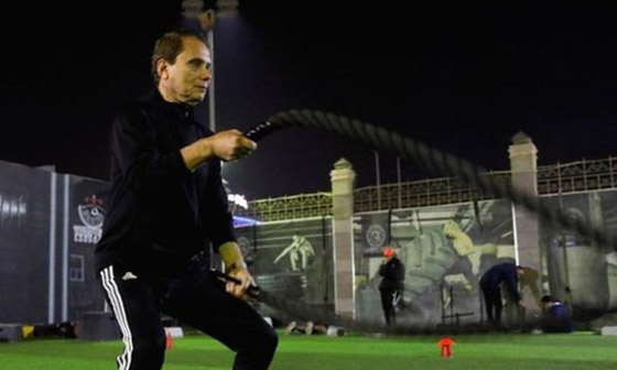 صورة رقم 3 - المصري عز الدين بهادر: أكبر لاعب كرة قدم محترف في العالم