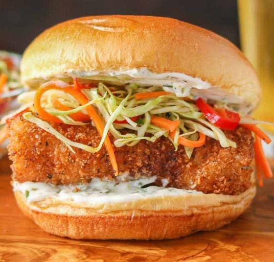 إليكم طريقة تحضير برجر السمك مع صلصة الترتار بطعم رائع ولذيذ صورة رقم 8