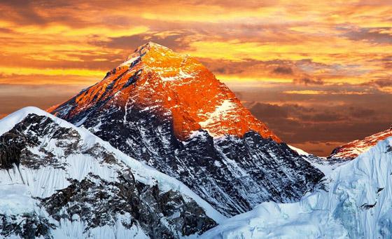 قمة صخرية رسوبية.. جبل إفرست أعلى قمة في العالم! صور صورة رقم 3