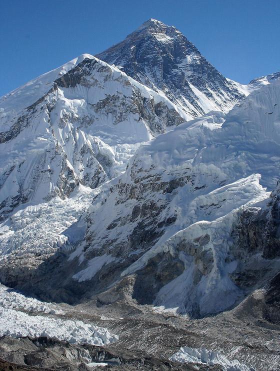 قمة صخرية رسوبية.. جبل إفرست أعلى قمة في العالم! صور صورة رقم 2