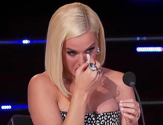 فيديو: لماذا انهارت المغنية كاتي بيري بالبكاء في (أمريكان ايدول)؟ صورة رقم 2