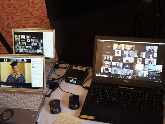 صورة رقم 7 - صور: حفل تخرج افتراضي ذكي لطلاب جامعة يابانية بسبب فيروس كورونا