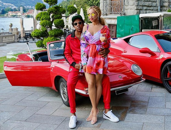 بالصور: أي ثنائي من المشاهير والنجوم يمتلك أروع السيارات؟ صورة رقم 4