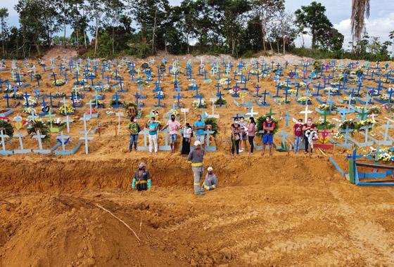 صفوف من المقابر المفتوحة.. البرازيل ثاني أكبر بؤرة كورونا! صورة رقم 8