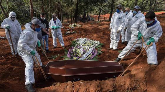 صفوف من المقابر المفتوحة.. البرازيل ثاني أكبر بؤرة كورونا! صورة رقم 9