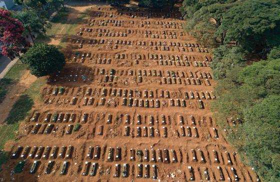 صفوف من المقابر المفتوحة.. البرازيل ثاني أكبر بؤرة كورونا! صورة رقم 11