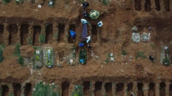 صفوف من المقابر المفتوحة.. البرازيل ثاني أكبر بؤرة كورونا! صورة رقم 14