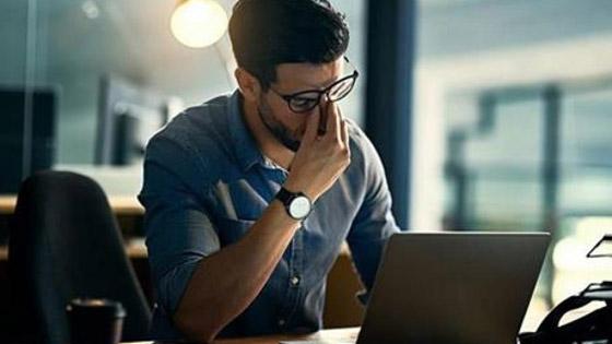 ما هي متلازمة عين المكتب؟ ان كنت تستعمل الكمبيوتر كثيرا قد تصيبك! صورة رقم 4