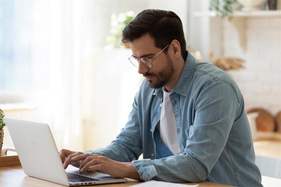 ما هي متلازمة عين المكتب؟ ان كنت تستعمل الكمبيوتر كثيرا قد تصيبك! صورة رقم 2