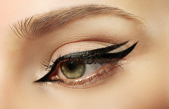 صورة رقم 4 - هذا ما يكشفه كحل العين عن شخصية المرأة..!
