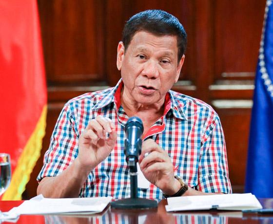 فيروس كورونا: الرئيس الفلبيني يطلب من مواطنيه تعقيم الكمامات بالبنزين! صورة رقم 7