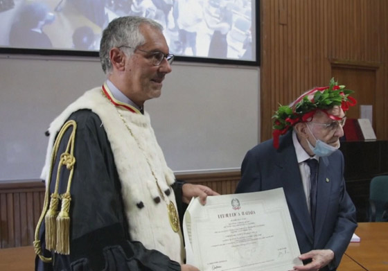 نجا من الحرب وكورونا.. أكبر طالب جامعي إيطالي يتخرج بعمر 96 عاما صورة رقم 13