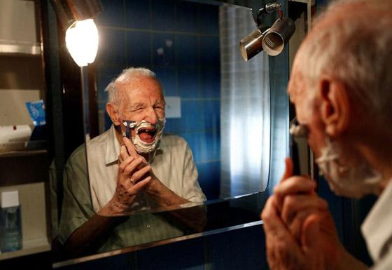 نجا من الحرب وكورونا.. أكبر طالب جامعي إيطالي يتخرج بعمر 96 عاما صورة رقم 15