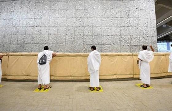 صور: ضيوف الرحمن يستقبلون أول أيام التشريق ويرمون الجمرات الثلاث صورة رقم 8