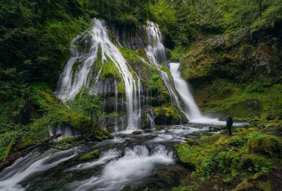 صور رائعة.. شلالات تعزف لحن الطبيعة والمناظر الساحرة صورة رقم 1