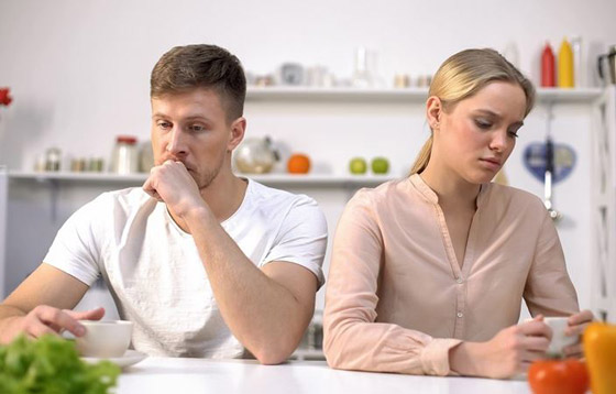 صورة رقم 4 - عادات تؤدي إلى تدمير الزواج