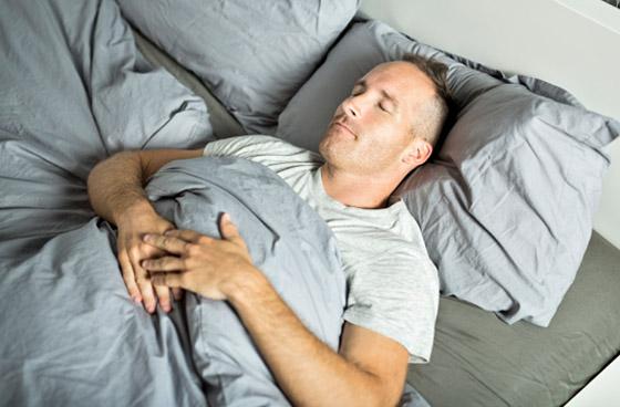 صورة رقم 2 - وضعية الجنين تعني افتقاد الأمان.. ماذا تقول وضعية نومك عن شخصيتك؟