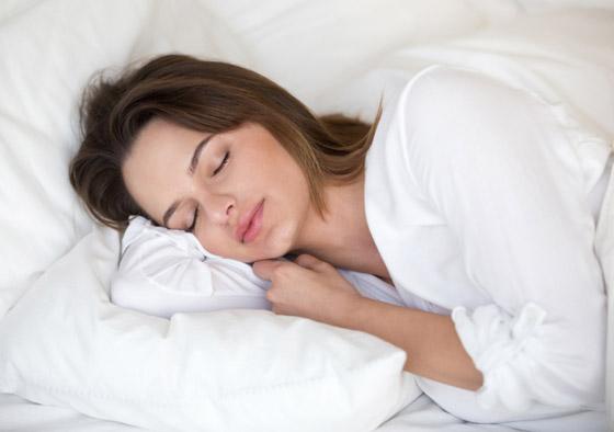 صورة رقم 4 - وضعية الجنين تعني افتقاد الأمان.. ماذا تقول وضعية نومك عن شخصيتك؟