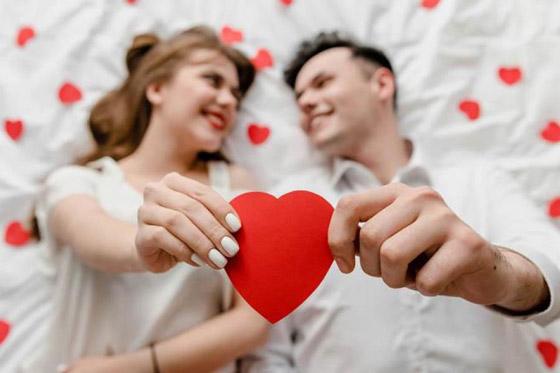صورة رقم 1 - نصائح لجعل زوجك سعيداً في حياته معك!