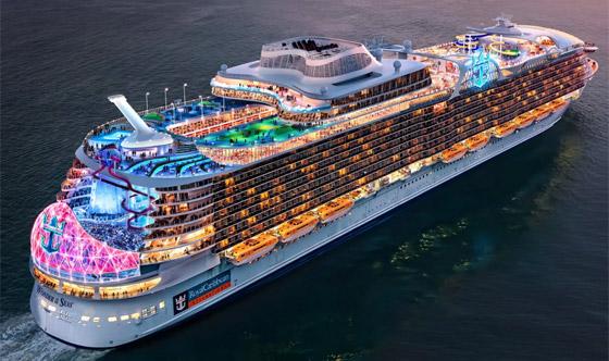 أعجوبة البحر جاهزة.. أكبر سفينة سياحية في العالم تستعد للإبحار صورة رقم 5