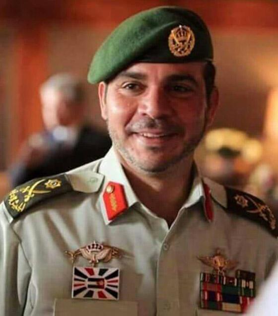 أمير أردني يتجاهل الحدث التاريخي ويسخر منهم لعدم ارتدائهم الكمامات! صورة رقم 6