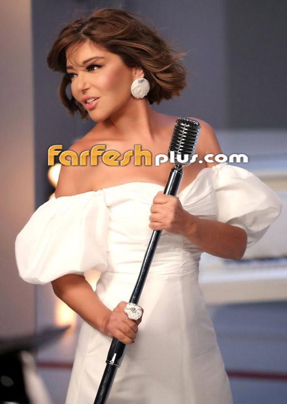 صورة رقم 2 - بإطلالة أنيقة بالأبيض: سميرة سعيد تشوق جمهورها لبرنامج ذا فويس سينيور