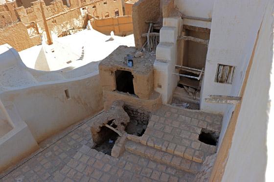 قصر في بلد عربي.. أكبر مباني العالم أمام خطر الانهيار صورة رقم 3