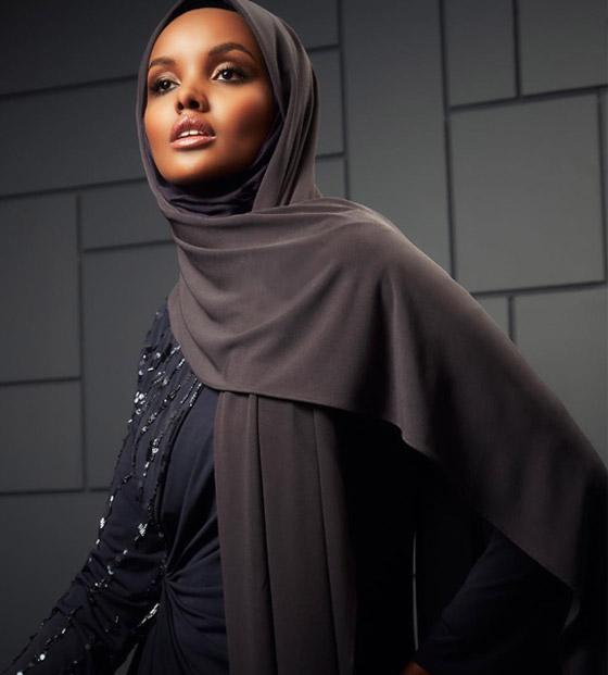 صورة رقم 21 - بعد اعتزالها بسبب الحجاب.. عارضة الأزياء العالمية حليمة عدن تعود من جديد! صور