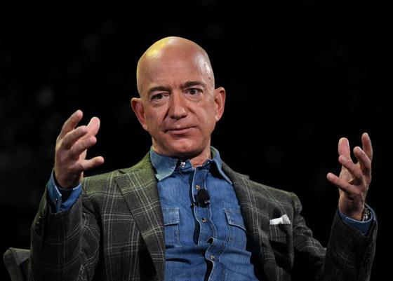 صورة رقم 2 - كيف تصبح غنيا: 10 مبادئ من جيف بيزوس مؤسس أمازون وأغنى رجل في العالم