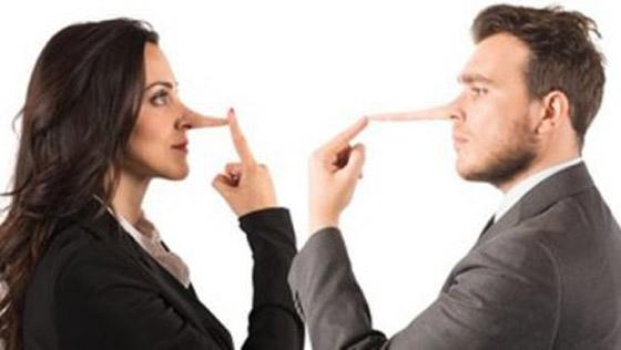 صورة رقم 6 - علامات تدل  على أن الشخص الذي أمامك يكذب عليك