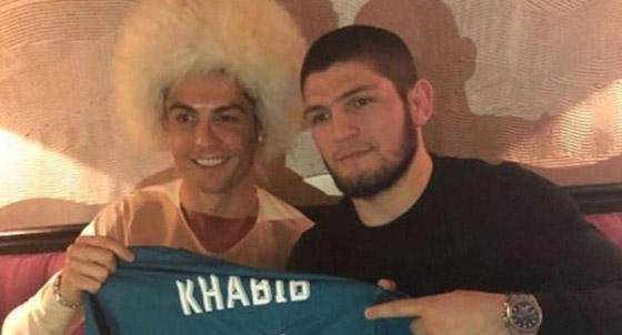 صورة رقم 6 - حبيب نور محمدوف يعترف: تواصلت مع رونالدو لأصبح لاعب كرة قدم