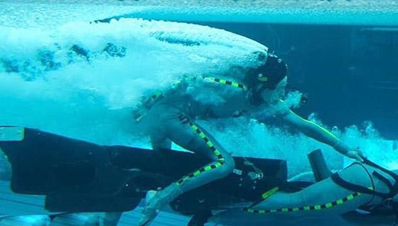 صورة رقم 4 - الممثلة كيت وينسلت تحكي تجربتها بالبقاء تحت الماء 7 دقائق: هل أنا ميتة؟