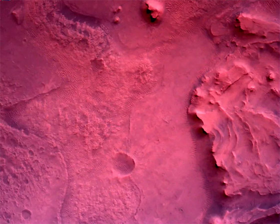 صورة رقم 2 - ناسا تنشر الصور الأولى لسطح المريخ التي التقطتها المركبة الفضائية