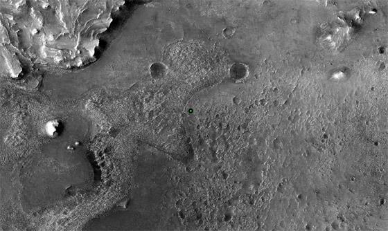 صورة رقم 5 - ناسا تنشر الصور الأولى لسطح المريخ التي التقطتها المركبة الفضائية