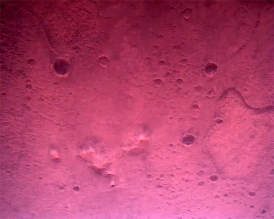 صورة رقم 9 - ناسا تنشر الصور الأولى لسطح المريخ التي التقطتها المركبة الفضائية