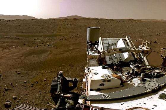 صورة رقم 10 - ناسا تنشر الصور الأولى لسطح المريخ التي التقطتها المركبة الفضائية
