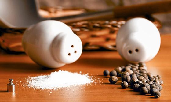 صورة رقم 3 - ملح سائل وكوكتيل الروبيان.. إليكم أغرب الأطعمة التي يتناولها رواد الفضاء