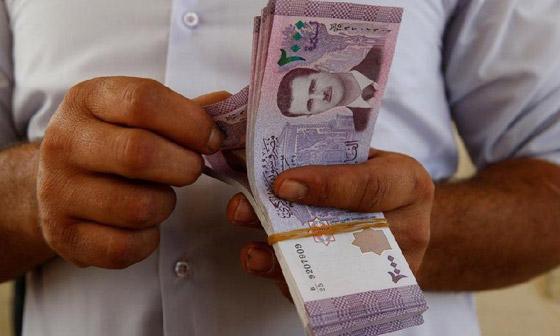 صورة رقم 4 - لبنان ليست الأولى.. 4 دول عربية تعاني من انهيار العملة