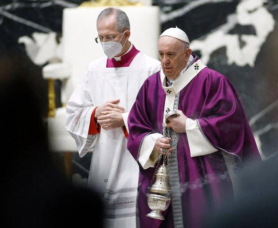 صورة رقم 35 - فيديو وصور: بابا الفاتيكان فرنسيس يصل إلى العراق في زيارة تاريخية