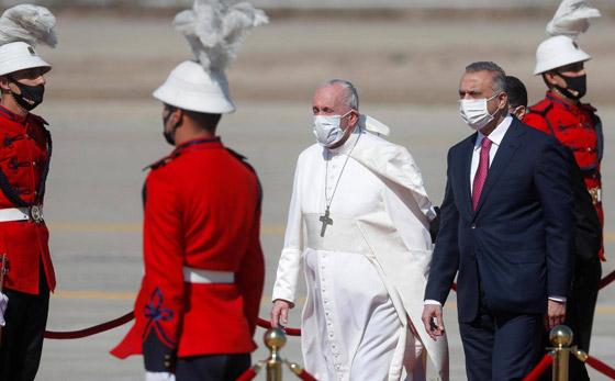 صورة رقم 9 - فيديو وصور: بابا الفاتيكان فرنسيس يصل إلى العراق في زيارة تاريخية