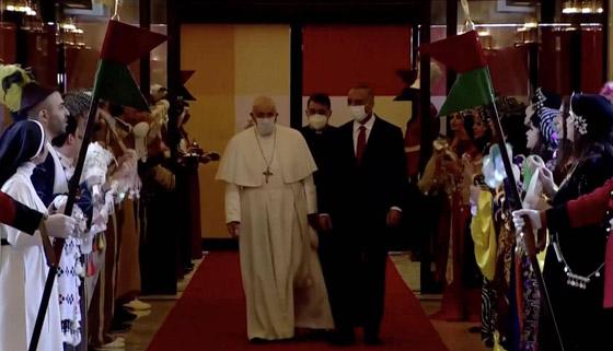 صورة رقم 12 - فيديو وصور: بابا الفاتيكان فرنسيس يصل إلى العراق في زيارة تاريخية