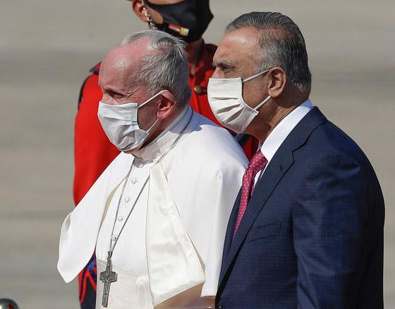 صورة رقم 27 - فيديو وصور: بابا الفاتيكان فرنسيس يصل إلى العراق في زيارة تاريخية