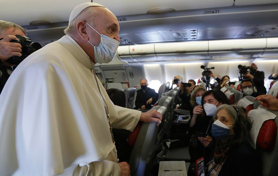 صورة رقم 33 - فيديو وصور: بابا الفاتيكان فرنسيس يصل إلى العراق في زيارة تاريخية