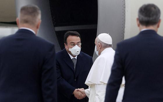 صورة رقم 34 - فيديو وصور: بابا الفاتيكان فرنسيس يصل إلى العراق في زيارة تاريخية
