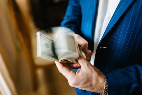 صورة رقم 2 - أصحاب الدخل المرتفع.. هل يشعرون بالفخر والثقة؟